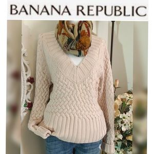 Banana Republic cable knit V-neck sweater